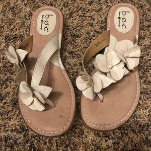 Born Concept B.O.C White Flower Cork Sandals sz 8